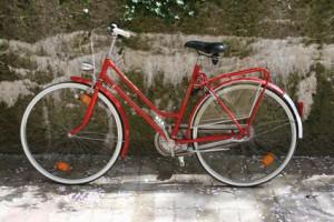 Inhalt des Artikels ist die Geschichte des Fahrrads.