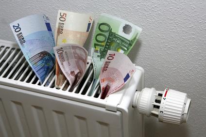 Der Artikel prüft, ob die Energiepreise die Deutschen verschulden lässt.