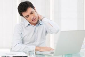 Wenn der Stress im Nacken sitzt – So werden Sie die Nackenschmerzen wieder los