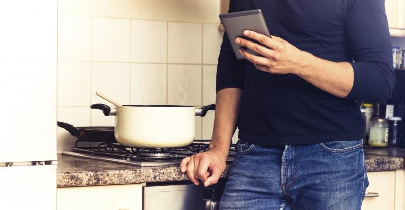 Der Artikel gibt Tipps zur Veröffentlichung eines eigenen Kochbuches als eBook.
